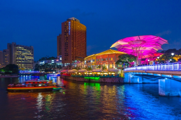 The exciting river cruise by Clarke Quay!