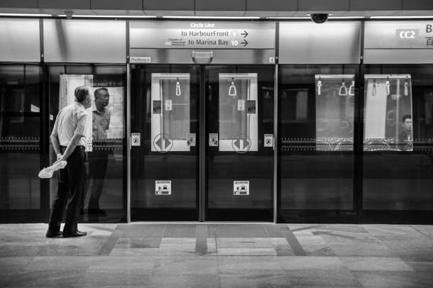 Be sure to follow the rules in Singapore's MRT